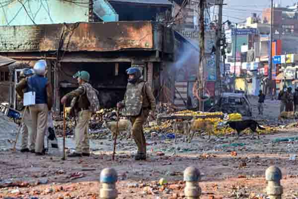 कोर्ट ने दिल्ली दंगो में पुलिस की जांच को बताया तरफा और हास्यास्पद
